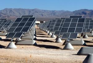 Als we het geld wat nu wereldwijd wordt gestoken in wapens en oorlogen zouden investeren in hernieuwbare energiebronnen dan kunnen we in korte tijd een overvloed aan schone en hernieuwbare energie voor vele miljarden mensen mogelijk maken.