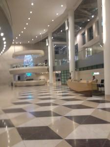 De centrale entree van de ABN AMRO, daar is geld!