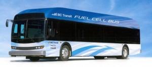 Een bus aangedreven door brandstofcellen gevoed door waterstofgas