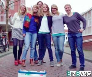 Het Binbang team met in het midden Anja.