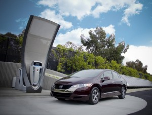 honda-solar-hydrogen-station-prototype-with-2010-honda-fcx-clarity-hydrogen-fuel-cell-vehicle_