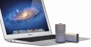 Een Macbook voorzien van een brandstofcel voor dagen tot een week power