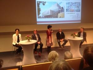Links Karin Visser in het midden de 2 patiënten en rechts